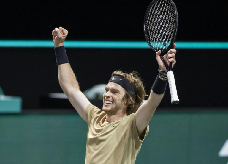 Rublev remporte à Rotterdam son quatrième titre en six mois