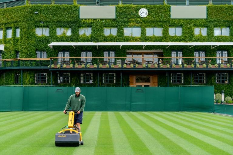 Pour le jardinier de Wimbledon, l'herbe sera plus verte en 2021