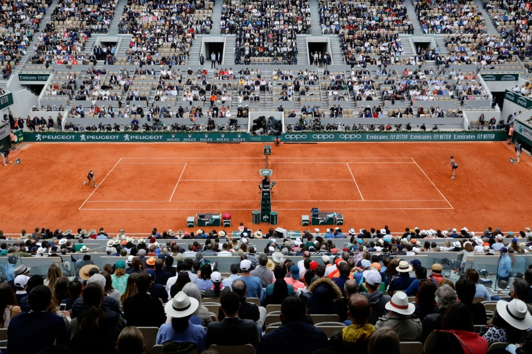 Cancel French Open rather than play without spectators: Leconte