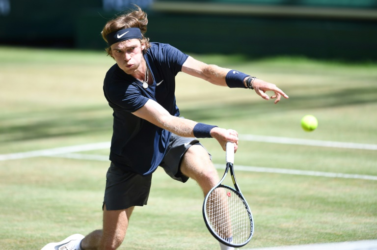 Rublev digs deep to reach Halle semi-finals