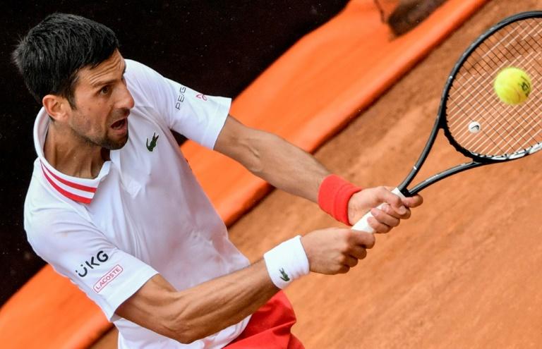 Rome: Djokovic remporte la bataille contre la pluie et Fritz