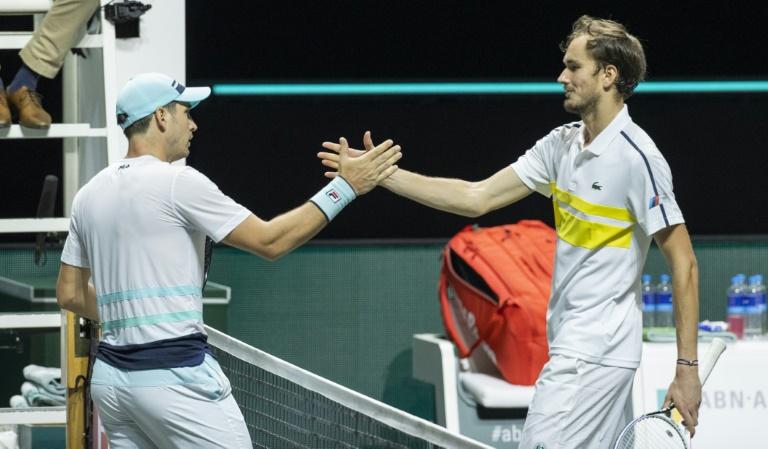 Medvedev et Zverev sortis dès le premier tour à Rotterdam