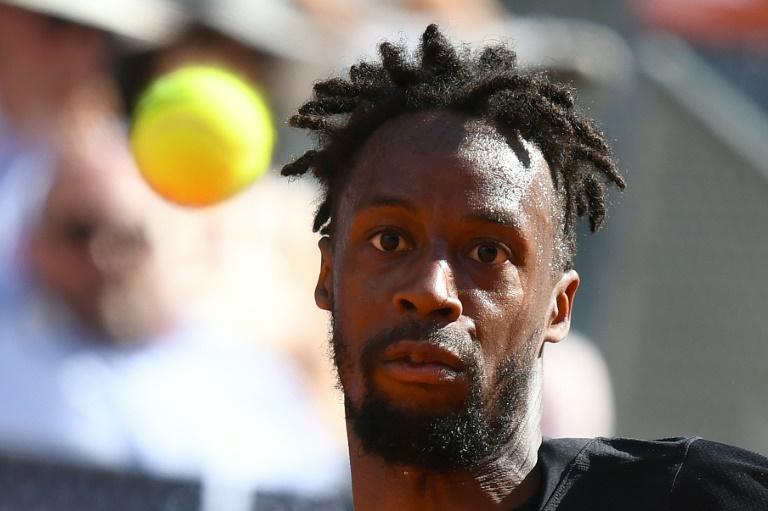 Roland-Garros: Monfils persiste, et continue à