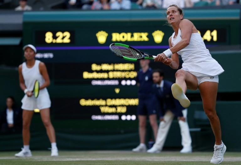 Pregnant Strycova hangs up racket at 35