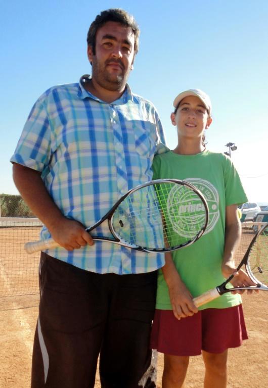 Une joueuse algérienne critique Thiem, Alger dit la soutenir