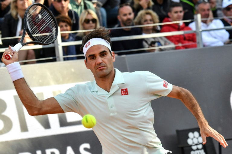 Roland-Garros: Federer à l'entraînement sur le central