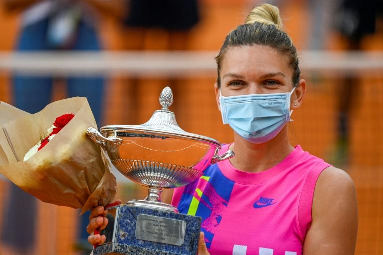 Halep remporte le tournoi de Rome, sur abandon de Pliskova en finale