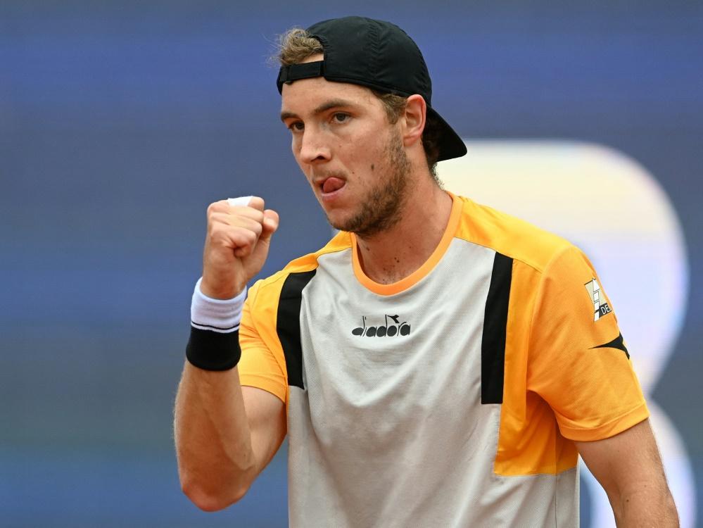 Struff fordert Topfavorit Djokovic heraus