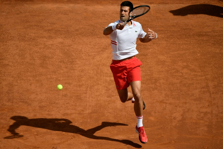 Djokovic retrouve soleil et public à Rome pour filer en quarts