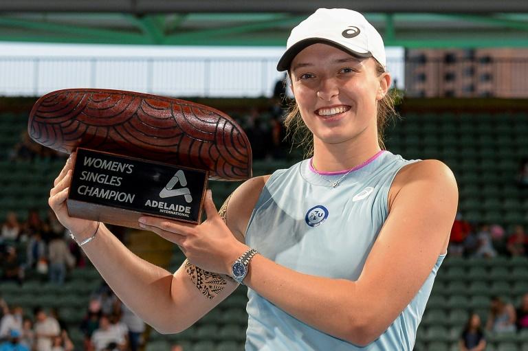 WTA: Après Roland-Garros, Swiatek sacrée à Adélaïde