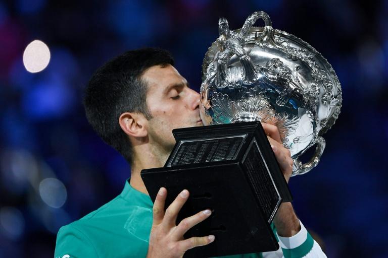Djokovic de nuevo por la senda triunfal en 'su' Grand Slam