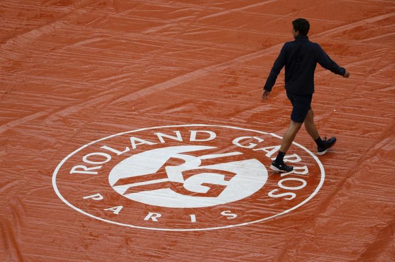 Coronavirus: avec son report-surprise, Roland-Garros s'attire aussi les foudres des instances