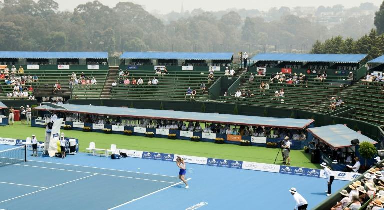'Hazardous' bushfire smoke hits Australian Open build-up