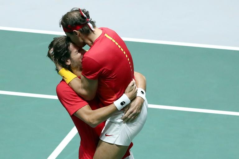 Coupe Davis: Nadal qualifie l'Espagne pour une finale contre le Canada